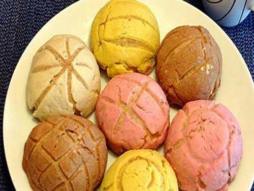 Праздничные сладкие булочки